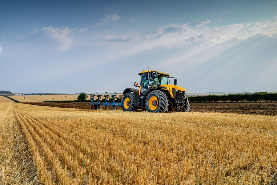 JCB and Redlynch to join forces!
